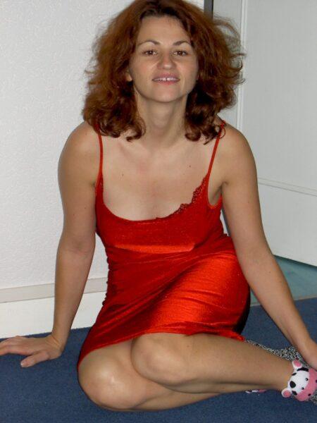 Femme sexy dominante pour libertin soumis