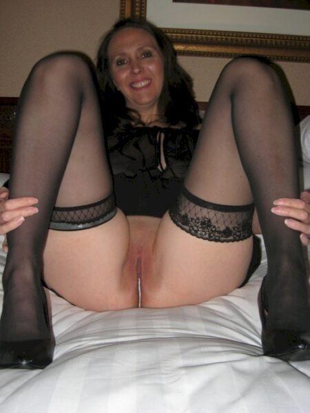 Passez un rancard hot avec une femme cougar sexy