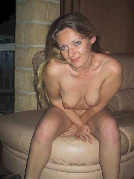Très belle femme coquine recherche un bon plan sexe pour femme mariée