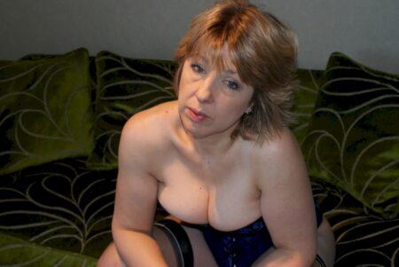 Très jolie femme seule intéressée par un plan q